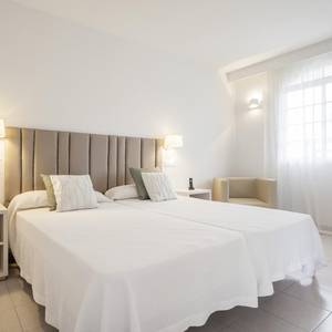 Camera Accessibile Hotel ILUNION Menorca Cala Galdana